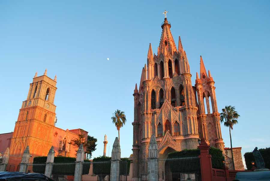 The Hidden Lovers of San Miguel